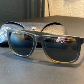 Flere forskellige solbriller fra Rayban. Justin modellen - Erika modellen - RB 2180 500 kr pr stk