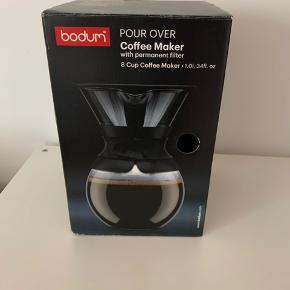 Pour over kaffebrygger. Aldrig brugt - har bare stået i kassen. Er åben for bud.