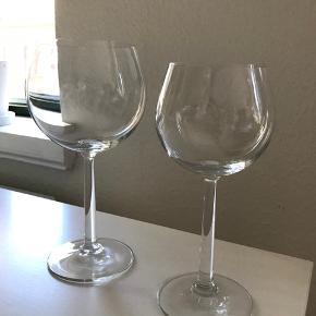 12 stk. Rosendahl hvidvinsglas 700kr.  11 stk. Rosendahl rødvinsglas 700kr.   Sælges i Odense.