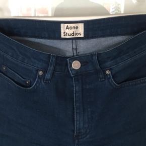 Acne jeans str 27