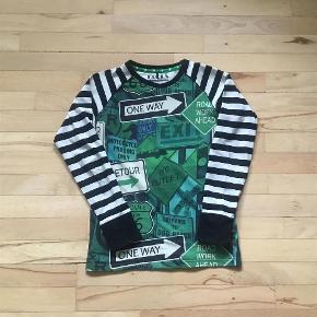Varetype: Bluse, t-shirt Størrelse: 146/152 Farve: Se billede Oprindelig købspris: 250 kr. Prisen angivet er inklusiv forsendelse.  I pæn stand. Mp 65 inkl. via MobilePay. Bytter ikke.