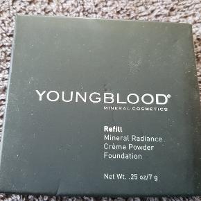 Ny og uåbnet refill fra Youngblood.