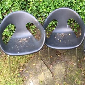 To italienske havestole med super siddekomfort. De fejler intet men trænger til rengøring.   Nypris 1500kr pr stk  Samlet pris 300kr  Afhentes i Skanderborg