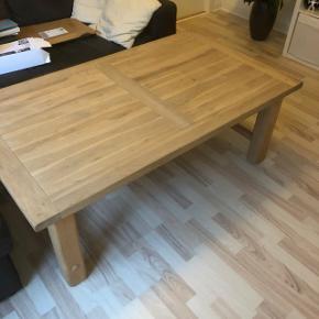 Lækkert sofabord, sælges grundet flytning. Træbord høj kvalitet