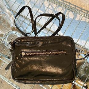 Rigtig lækker taske i 100% læder, fra Becksöndergaard.