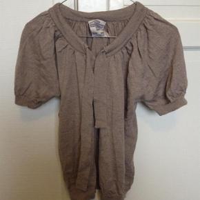 Strik bluse med bindebånd Farve: Brun