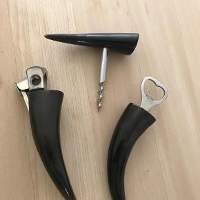 Retro ting fra Horn ,oplukker ,proptrækker ,cigarskærer  Sælges kun samlet Kan sendes / hentes Esbjerg 6700