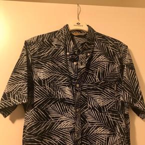 Carhartt kortærmet skjorte  Størrelse L  Kun prøvet på, aldrig brugt