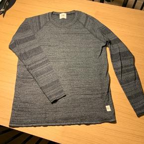 ELSK bluse. Lille i størrelsen.  Aldrig brugt.  100 % økologisk bomuld