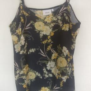 Zizzi STR s.  Flot top med gule blomster