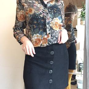 Helt ny nederdel, blød og super lækker 🌞