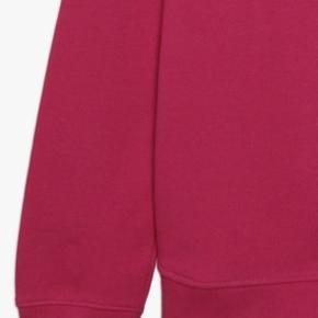 Guess bluse / sweatshirt 🤩  Rouge/shocking pink Passes af xs, small og medium - alt efter, hvordan du vil have den skal sidde self Kun vasket en gang og aldrig brugt ♥️