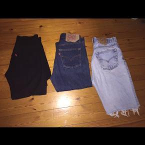 2 par bukser 1 par shorts  Sorte: ca w28/l32  som nye 100kr  Blå: 501 str w30/l30 som nye 200 kr Lyseblå shorts: 501 str w32/l32 brugt men fine 75 kr   byd