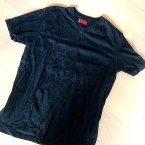 Levis t-shirt med v-hals