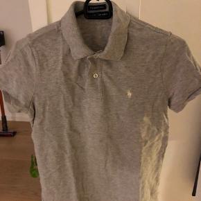 Ralph Lauren polo t-shirt i fin stand - kun anvende 1 gang Modellen er skinny
