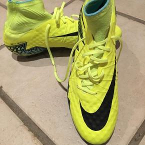 Ikke brugte Nike fodboldstøvler. Mega fede 💪🏻⚽️ str 44,5