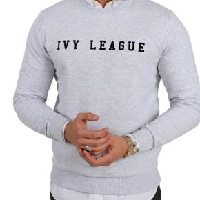 Varetype: Sweatshirt Farve: Grå Oprindelig købspris: 600 kr.  Aldrig brugt  Str XL  Se også de mange andre annoncer på min profil