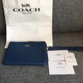 Sælge den flot Coach punge, aldrig brugt har købt i Tyskland for 85 euro. Sælge for 500inkl. Det kan sagtens en iPhone 6s i.