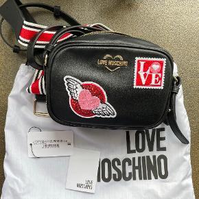 Love Moschino bæltetaske