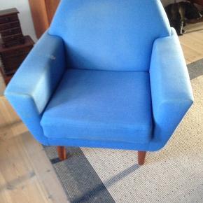 Fed Retro lænestol fra 1960'erne i Solid stand med brugt stof, men ellers fin.