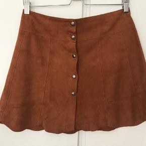Ganni ruskind læder nederdel.
