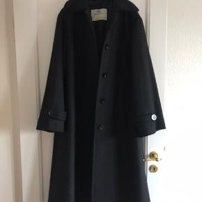 Smukkeste sorte vintage frakke.