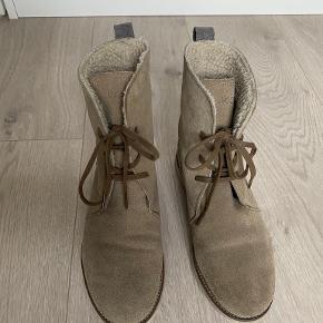 LACOSTE støvler