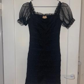 Love Triangle kjole