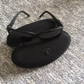 Solbriller, Prego, 100kr 😊  - Købt i brillemanden, Ny pris 450 😊  6700 knudsgade 😊