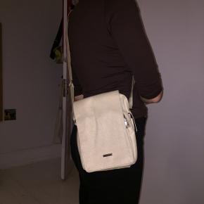 Fin beige/hvid taske