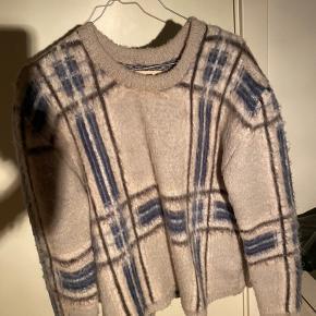 Sælger denne flotte sweater fra Envii! BYD :)