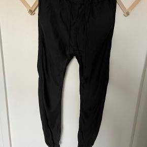 Ilaria Nistri bukser