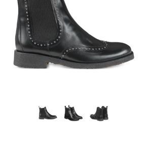 Smukke støvler som kun er brugt 2-3 gange og helt som nye. Nypris 1500kr.