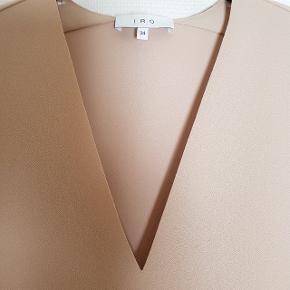 Brystmål 95 cm Længde 70 cm Bytter ikke