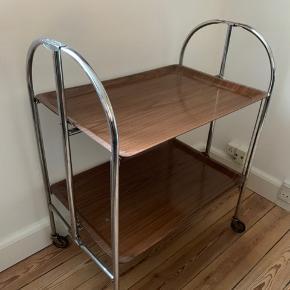 Fantastisk flot bar bord der kan slåes sammen
