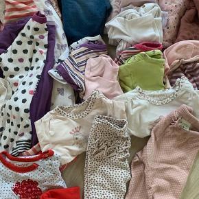 Massere af lækkert babytøj fra mærker som name it, fixoni og friends :) str 68/74