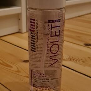 MineTan  Everyday Glow Violet, 200 ml  ALDRIG brugt, stadig lukket med klistermærke.