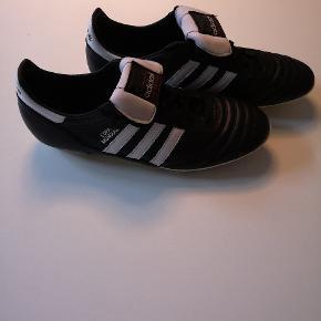 Hej derude.. Adidas Copa mudial støvler. Stort set helt nye prøvet en gang.