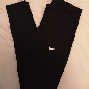 Nike dri-fit de er brugt 2 gange og fremstår 100% som ny  ✨ Se mine andre annoncer ✨ Bud modtages gerne ✨ Mængderabatter