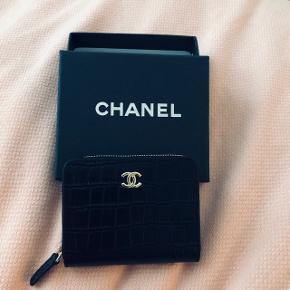 Lille Chanel læder pung  Skriv gerne for yderligere info