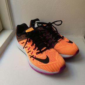 Nike løbesko str 42. Aldrig brugt