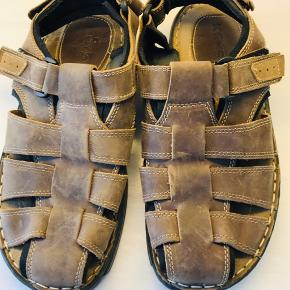 Herre sandaler ægte læder  Str. 42. Brugt som ny.