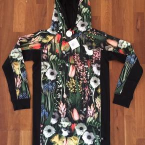 Molo kjole/tunika. Str 146-152. Ny med mærke.