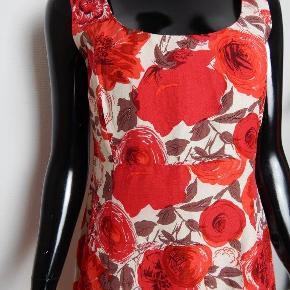 L K BENNETT kjole rød blomstret body con, UK14 /EU40 (er lille i str), silke mix stof,  MÅL: Bryst 86 cm, liv 76 cm, lgd 104 cm