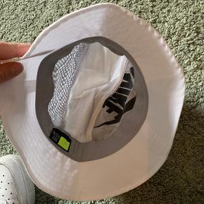 Nike hat & hue