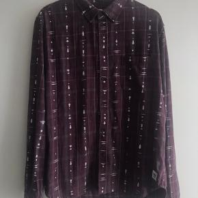 Wood Wood skjorte str. XL. 100 % cotton.