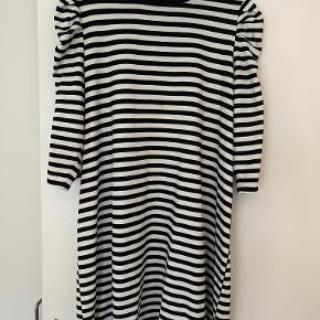 Only Carmakoma kjole