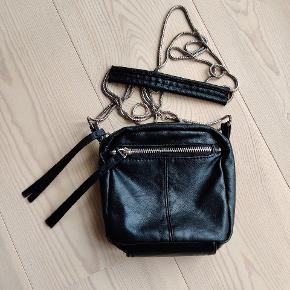 Fin taske fra Pieces i læder. Brugt få gange.