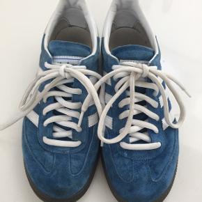 Indendørs sko fra AdidasStr 36 2/3 Brugt få gange