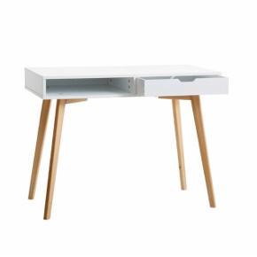 Produkt: Skrivebord i hvid/eg Mål: 50x100cm Nypris: 1199kr  Skrivebord: 700kr Stol: 150kr Byd 😃
